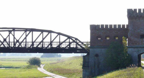 Alte Eisenbahnbrücke bei Dömitz