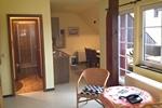 Wohnraum und Bad der Ferienwohnung für 2 Personen in Land Kamerun