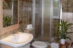 Badezimmer der 57m² Wohnung auf dem Reiterhof
